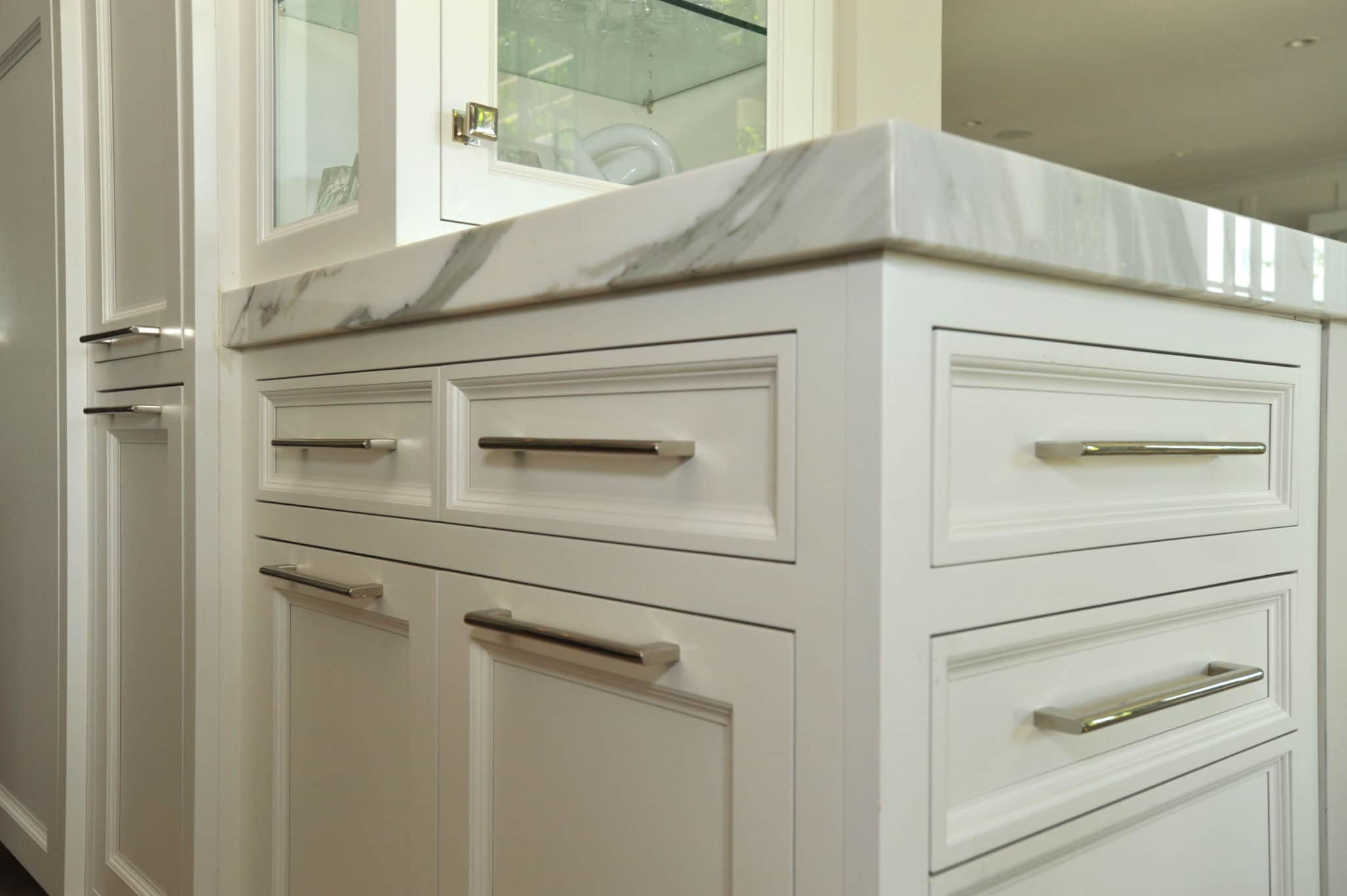 Cabinet hardware metropolitan cabinets for Kitchen cabinets hardware