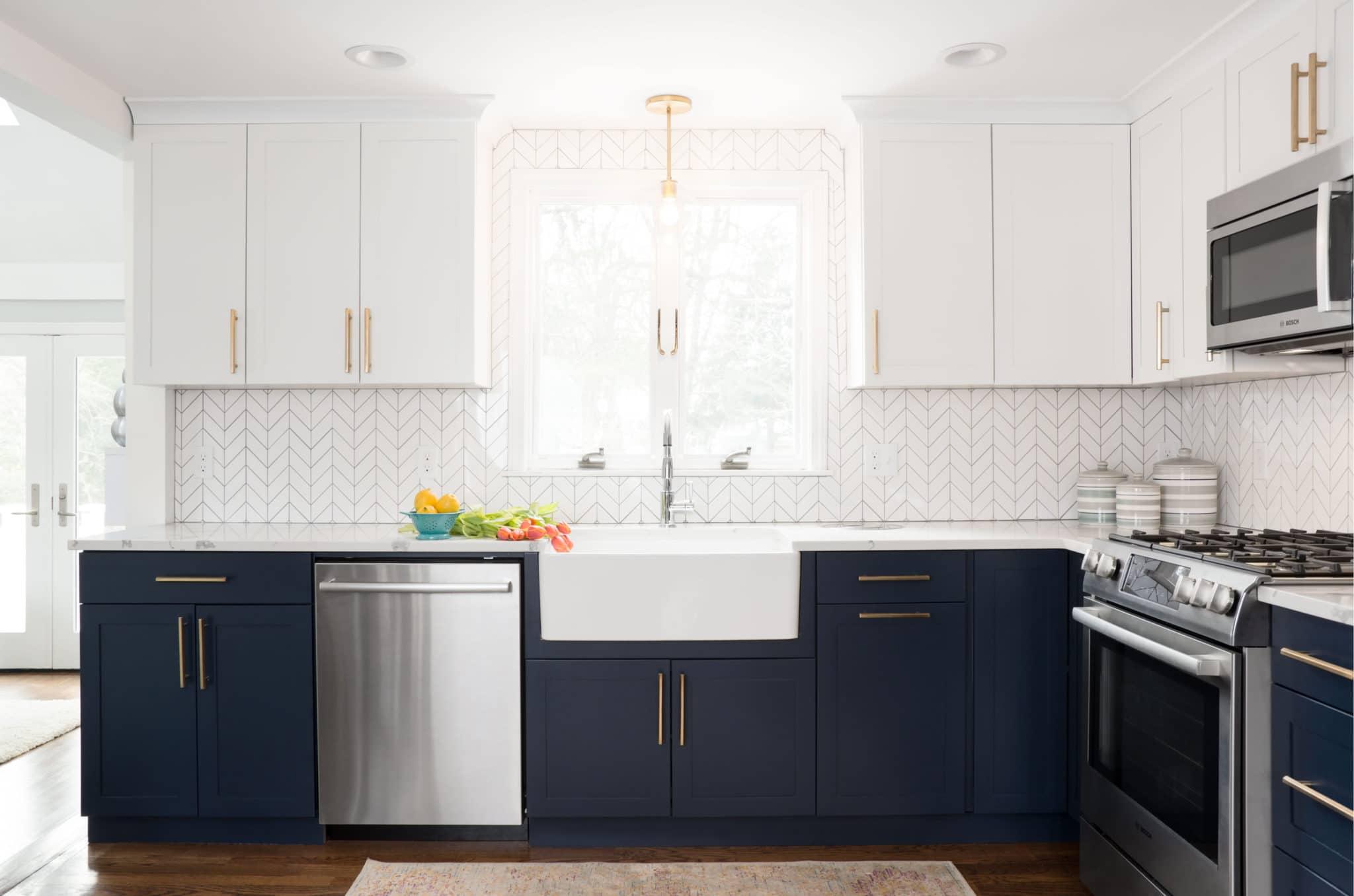 Custom Massachusetts Kitchen Cabinets and Countertops