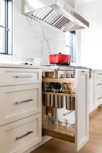 kitchen-cabinet-storage